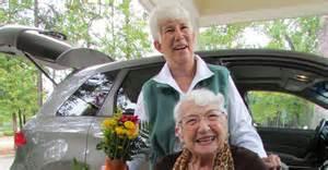 Door-to-Door Rides Offered to Seniors