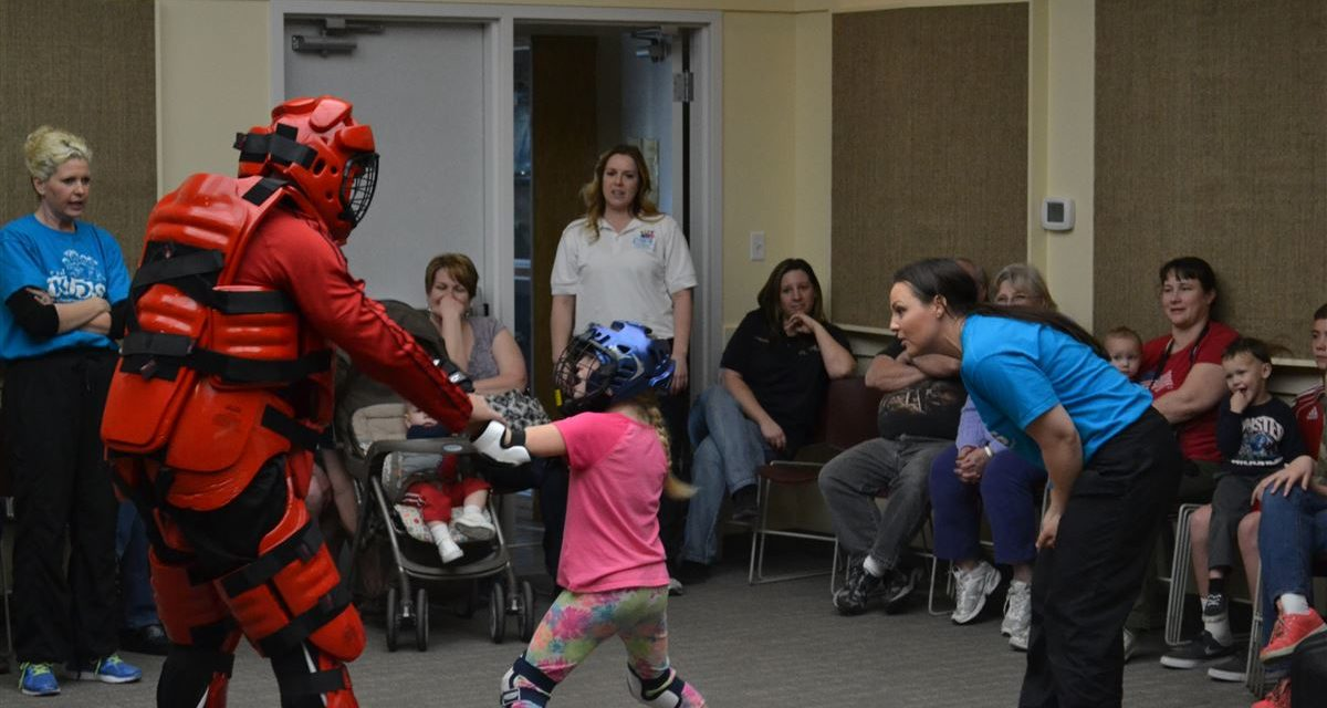 Police Present Defense Class for Kids