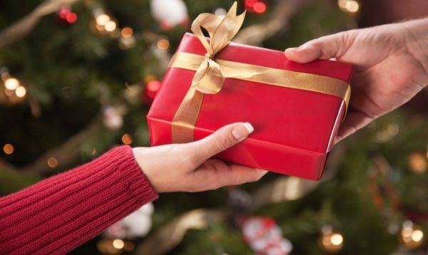 HOLIDAY GIFT GIVING – DENTIST STYLE