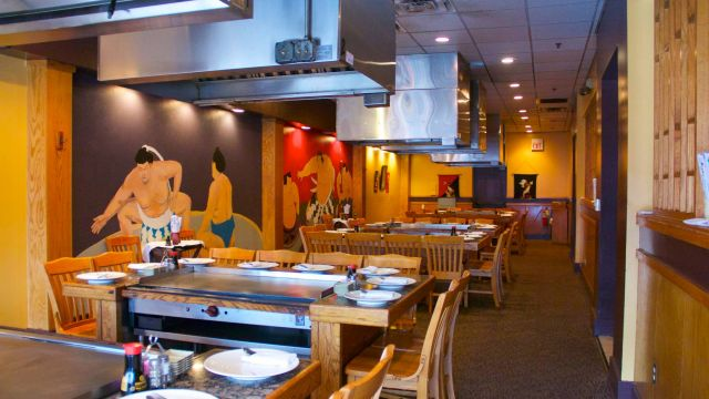 facebook-friday-freebie-enter-to-win-a-50-gift-certificate-to-asahi-japanese-steakhouse-2.jpg