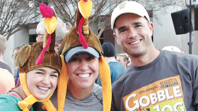 thanksgiving-day-race-benefits-must-ministries.png